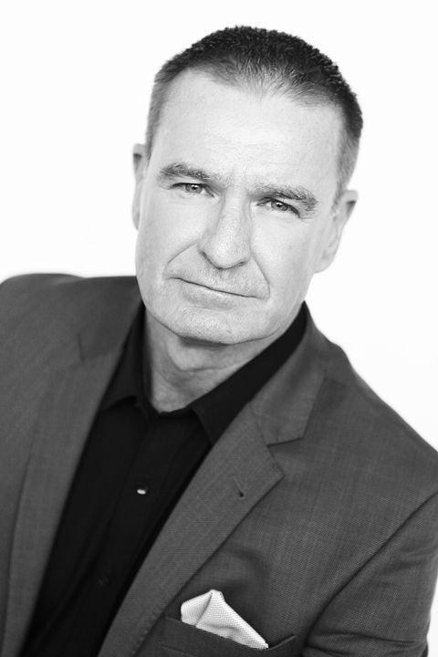 Now Actors - Neil Mackintosh